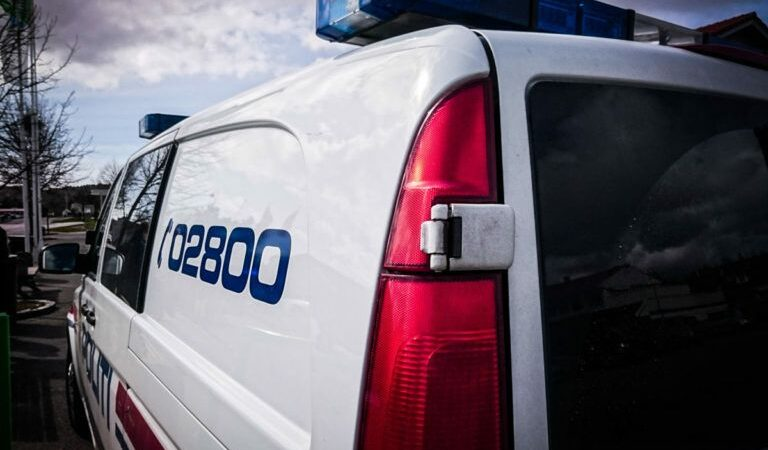 Mann funnet død i Grimstad