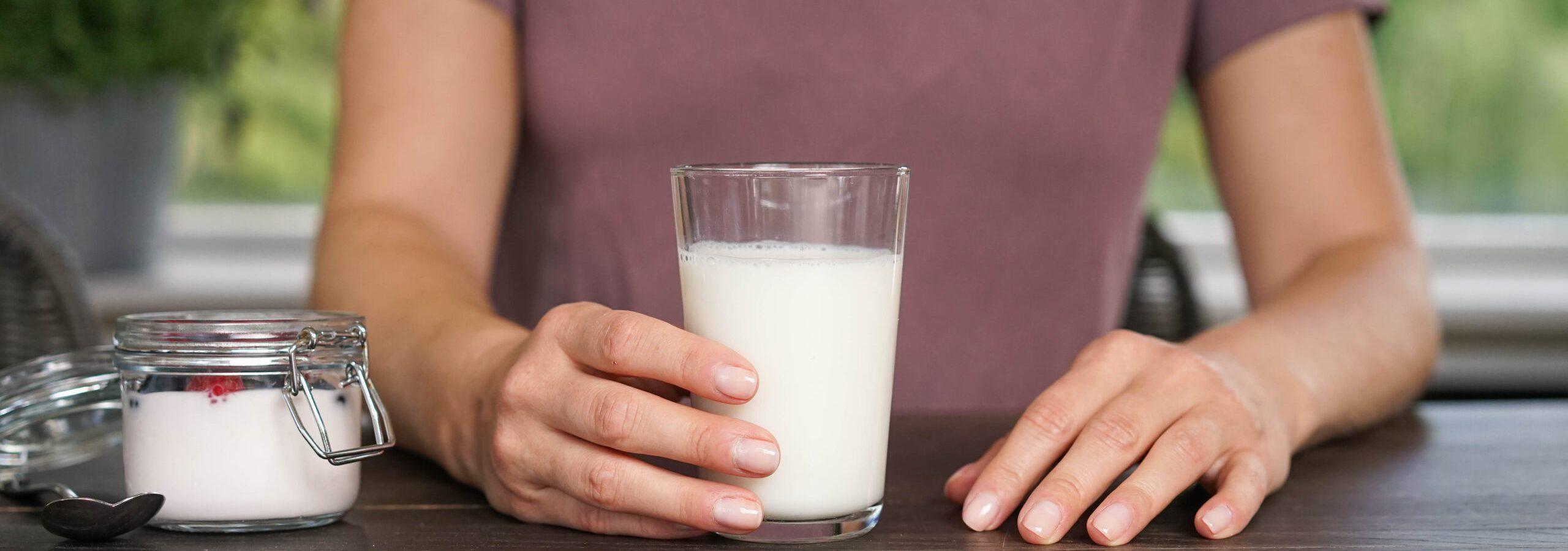 Det finnes også god dokumentasjon på at et kosthold med meieriprodukter som gir deg kalsium vil bidra til å forebygge benskjørhet. Foto: Melk.no